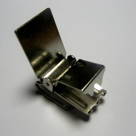 Flat Bar Rug Clip